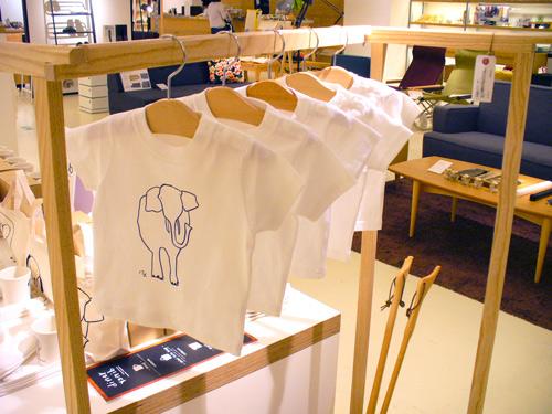 山本さんのイラストTシャツ入荷しました